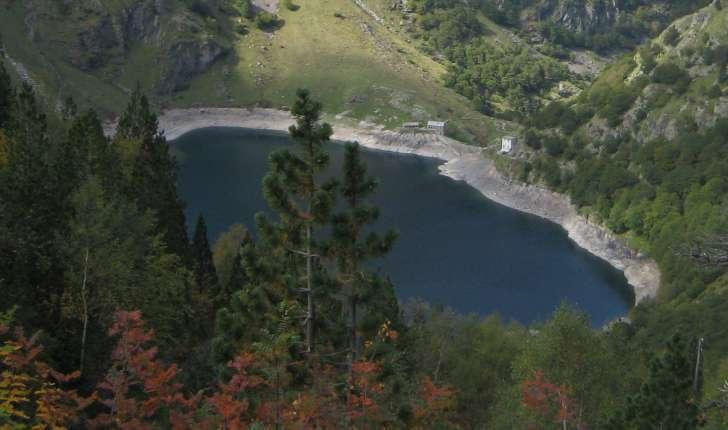 Lac d'Oô vue du chemin d'Espingo