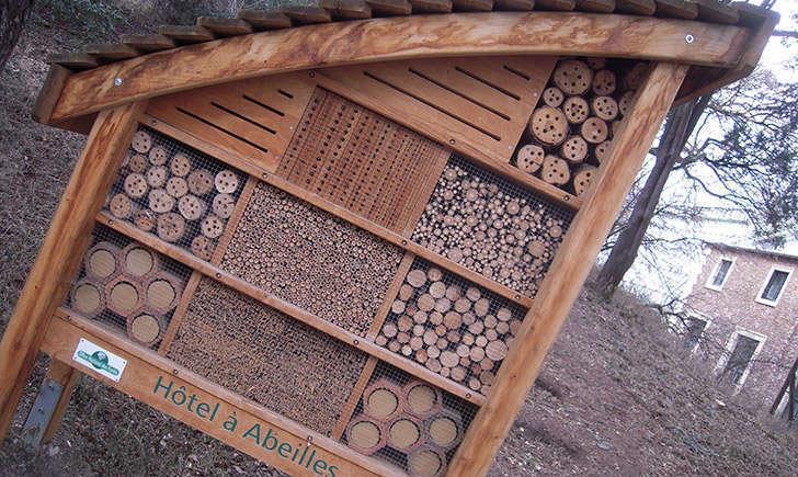 Ruche à abeilles (crédit: marsupilami92 - Flickr)