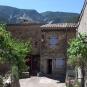 Centre du village de Saint-Léger-du-Ventoux (crédits Jori Avlis)